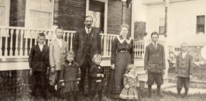 Carl J. and Alma (Johanson) (1879-1977) Peterson and family